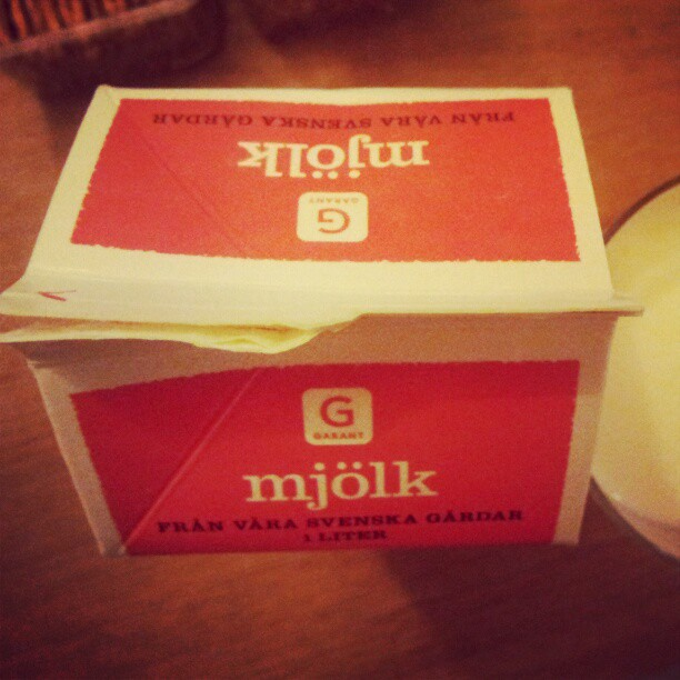 Nu är det bevisat. Mjölk på tetra utan skruvkork säljer sämre.