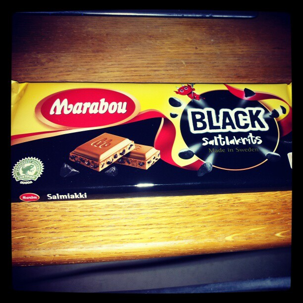 Gudars skymning! Har ni provat denna? Once you go black you don't go back! #nomnom #candy #chocolate #swedish