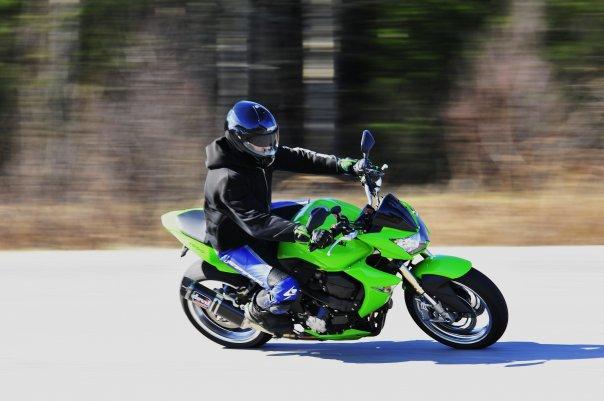 motorcykel gulgrön